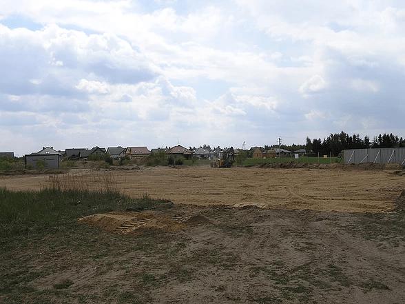 koparka równająca teren 03